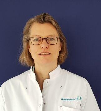 Manuela de Jong